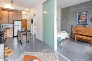 """Photo 8: 407 2635 PRINCE EDWARD Street in Vancouver: Mount Pleasant VE Condo for sale in """"Soma Lofts"""" (Vancouver East)  : MLS®# R2177446"""