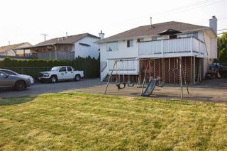 Photo 3: 17258 64 Avenue in Surrey: Cloverdale BC House for sale (Cloverdale)  : MLS®# R2193686