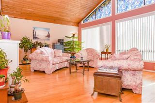 "Photo 3: 2537 NAIRN Way in Squamish: Garibaldi Highlands House for sale in ""GARIBALDI HIGHLANDS"" : MLS®# R2203624"