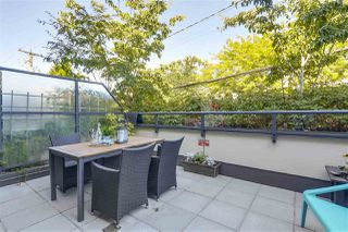 "Photo 11: 214 1961 COLLINGWOOD Street in Vancouver: Kitsilano Townhouse for sale in ""VIRIDIAN GREEN"" (Vancouver West)  : MLS®# R2205025"