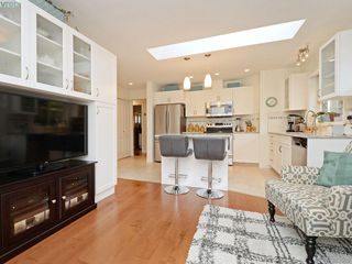 Photo 11: 32 108 Aldersmith Place in VICTORIA: VR Glentana Townhouse for sale (View Royal)  : MLS®# 383609