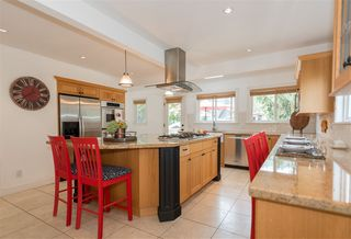 Photo 6: 2035 ROCKCLIFF Road in North Vancouver: Deep Cove House for sale : MLS®# R2210600