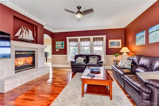 Photo 8: 814 Royal Oak Avenue in VICTORIA: SE Broadmead Single Family Detached for sale (Saanich East)  : MLS®# 387488