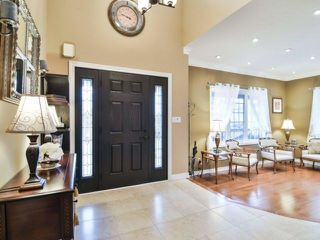 Photo 3: 1240 Grace Dr in Oakville: Iroquois Ridge North Freehold for sale : MLS®# W4047285