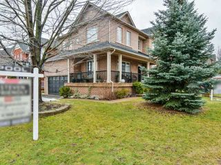 Photo 2: 1240 Grace Dr in Oakville: Iroquois Ridge North Freehold for sale : MLS®# W4047285