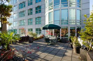 """Photo 17: 708 1500 HORNBY Street in Vancouver: Yaletown Condo for sale in """"888 BEACH"""" (Vancouver West)  : MLS®# R2245639"""