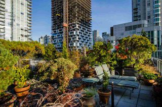 """Photo 7: 708 1500 HORNBY Street in Vancouver: Yaletown Condo for sale in """"888 BEACH"""" (Vancouver West)  : MLS®# R2245639"""