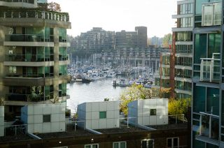 """Photo 3: 708 1500 HORNBY Street in Vancouver: Yaletown Condo for sale in """"888 BEACH"""" (Vancouver West)  : MLS®# R2245639"""