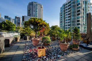 """Photo 2: 708 1500 HORNBY Street in Vancouver: Yaletown Condo for sale in """"888 BEACH"""" (Vancouver West)  : MLS®# R2245639"""