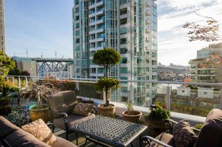 """Photo 4: 708 1500 HORNBY Street in Vancouver: Yaletown Condo for sale in """"888 BEACH"""" (Vancouver West)  : MLS®# R2245639"""