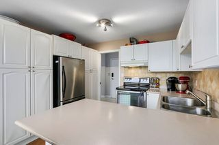 "Photo 9: 604 38 LEOPOLD Place in New Westminster: Downtown NW Condo for sale in ""EAGLE CREST"" : MLS®# R2267883"