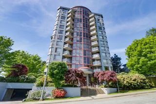 "Photo 1: 604 38 LEOPOLD Place in New Westminster: Downtown NW Condo for sale in ""EAGLE CREST"" : MLS®# R2267883"