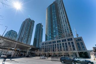 Photo 1: 1907 18 Yonge Street in Toronto: Waterfront Communities C1 Condo for lease (Toronto C01)  : MLS®# C4134176