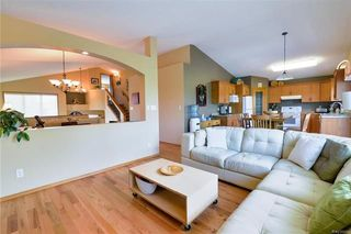 Photo 8: 919 John Bruce Road in Winnipeg: Royalwood Residential for sale (2J)  : MLS®# 1816498