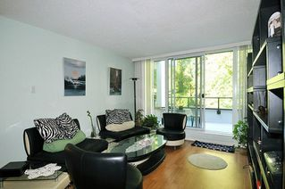 """Photo 5: 35 9521 CARDSTON Court in Burnaby: Government Road Condo for sale in """"CONCORDE PLACE"""" (Burnaby North)  : MLS®# R2303100"""