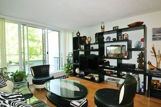 """Photo 3: 35 9521 CARDSTON Court in Burnaby: Government Road Condo for sale in """"CONCORDE PLACE"""" (Burnaby North)  : MLS®# R2303100"""