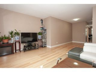 """Photo 5: 20 13899 LAUREL Drive in Surrey: Whalley Townhouse for sale in """"Emerald Gardens"""" (North Surrey)  : MLS®# R2308753"""