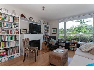 "Photo 10: 210 15777 MARINE Drive: White Rock Condo for sale in ""South Beach"" (South Surrey White Rock)  : MLS®# R2312942"