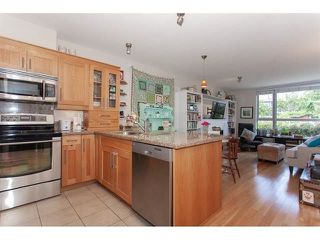 "Photo 7: 210 15777 MARINE Drive: White Rock Condo for sale in ""South Beach"" (South Surrey White Rock)  : MLS®# R2312942"