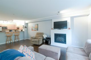 """Photo 5: 211 4783 DAWSON Street in Burnaby: Brentwood Park Condo for sale in """"Collage"""" (Burnaby North)  : MLS®# R2319878"""