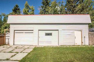 Photo 3: 70 LAKEVIEW Avenue: Rural Lac Ste. Anne County House for sale : MLS®# E4139833