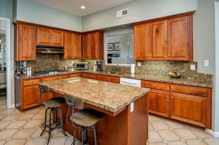 Main Photo: UNIVERSITY CITY Townhome for sale : 4 bedrooms : 5456 Renaissance Ave in San Diego