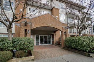 "Photo 3: 402 15885 84 Avenue in Surrey: Fleetwood Tynehead Condo for sale in ""Abbey Road"" : MLS®# R2334169"