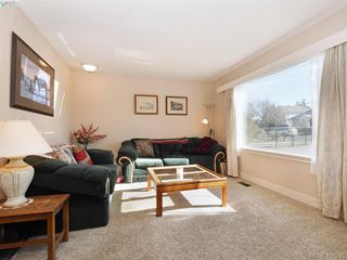 Photo 2: 976 Dunsmuir Road in VICTORIA: Es Old Esquimalt Single Family Detached for sale (Esquimalt)  : MLS®# 406295