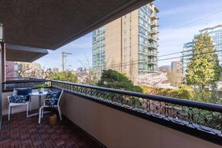 "Photo 17: 301 1405 W 15TH Avenue in Vancouver: Fairview VW Condo for sale in ""Landmark Grand"" (Vancouver West)  : MLS®# R2353938"