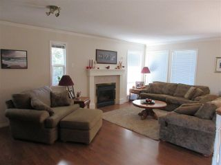 Photo 3: 47444 CHARTWELL Drive in Chilliwack: Little Mountain House for sale : MLS®# R2359775