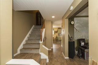 Photo 3: 3708 Hillview Crescent in Edmonton: Zone 29 House Half Duplex for sale : MLS®# E4156155