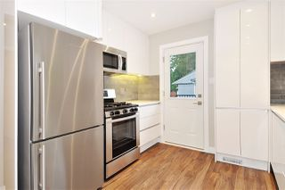 Photo 4: 3245 FINLEY Street in Port Coquitlam: Lincoln Park PQ House for sale : MLS®# R2369958