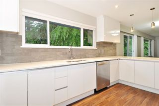 Photo 3: 3245 FINLEY Street in Port Coquitlam: Lincoln Park PQ House for sale : MLS®# R2369958