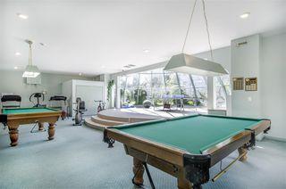 Photo 19: 301 1745 MARTIN Drive in Surrey: Sunnyside Park Surrey Condo for sale (South Surrey White Rock)  : MLS®# R2372562
