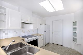 Photo 10: 301 1745 MARTIN Drive in Surrey: Sunnyside Park Surrey Condo for sale (South Surrey White Rock)  : MLS®# R2372562