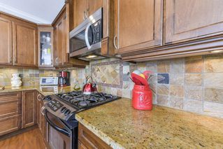 """Photo 6: 17908 71A Avenue in Surrey: Cloverdale BC House for sale in """"Provincton"""" (Cloverdale)  : MLS®# R2374811"""