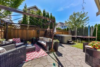 "Photo 19: 17908 71A Avenue in Surrey: Cloverdale BC House for sale in ""Provincton"" (Cloverdale)  : MLS®# R2374811"