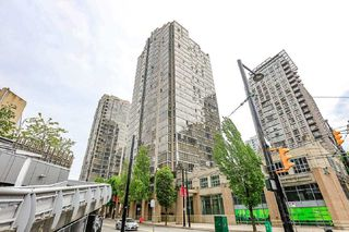 "Main Photo: 403 950 CAMBIE Street in Vancouver: Yaletown Condo for sale in ""Pacific Place Landmark I"" (Vancouver West)  : MLS®# R2382312"