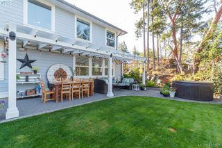 Photo 29: 3670 Coleman Pl in VICTORIA: Co Latoria Single Family Detached for sale (Colwood)  : MLS®# 824343