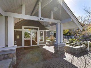 Photo 2: 302 1706 56 Street in Delta: Beach Grove Condo for sale (Tsawwassen)  : MLS®# R2429076