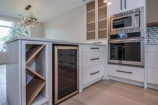 Photo 9: 2411 1 Avenue NW in Calgary: West Hillhurst Semi Detached for sale : MLS®# C4295459