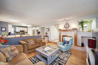 Photo 4: 28 DOUGLAS WOODS Grove SE in Calgary: Douglasdale/Glen Detached for sale : MLS®# A1010997