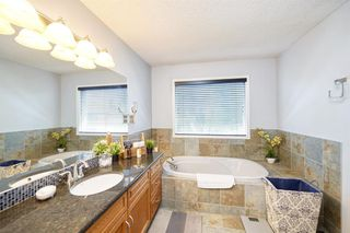 Photo 22: 28 DOUGLAS WOODS Grove SE in Calgary: Douglasdale/Glen Detached for sale : MLS®# A1010997