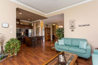 """Photo 3: 405 33338 MAYFAIR Avenue in Abbotsford: Central Abbotsford Condo for sale in """"STERLING"""" : MLS®# R2482290"""