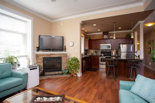 """Photo 4: 405 33338 MAYFAIR Avenue in Abbotsford: Central Abbotsford Condo for sale in """"STERLING"""" : MLS®# R2482290"""