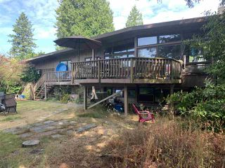 "Photo 2: 13706 56B Avenue in Surrey: Panorama Ridge House for sale in ""Panorama Ridge"" : MLS®# R2482277"