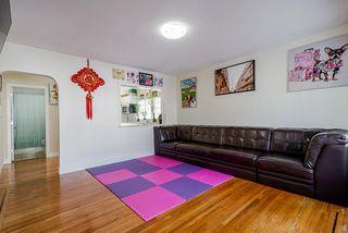 Photo 5: 3582 NAPIER Street in Vancouver: Renfrew VE House for sale (Vancouver East)  : MLS®# R2507014