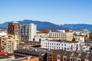 """Photo 6: 1607 188 KEEFER Street in Vancouver: Downtown VE Condo for sale in """"188 Keefer"""" (Vancouver East)  : MLS®# R2526049"""