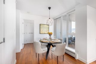 """Photo 10: 1607 188 KEEFER Street in Vancouver: Downtown VE Condo for sale in """"188 Keefer"""" (Vancouver East)  : MLS®# R2526049"""