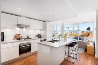 """Photo 2: 1607 188 KEEFER Street in Vancouver: Downtown VE Condo for sale in """"188 Keefer"""" (Vancouver East)  : MLS®# R2526049"""